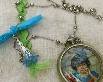 "Necklace: ""Little girl wit a blue dress"""