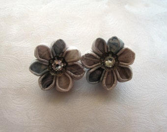Coordinates of Cute Kanzashi Flower Mini Bobby Pins