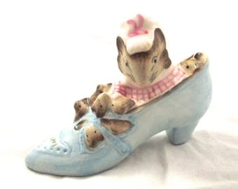 The Old Woman Who Lived in a Shoe, Vintage Beatrix Potter Figurine, Royal Albert 1989 (G1)