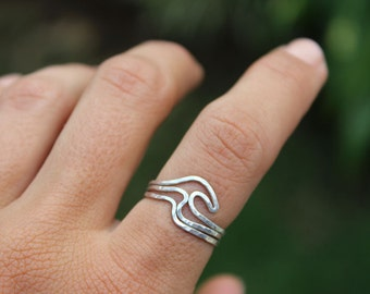 Rolling Waves Stacking Rings