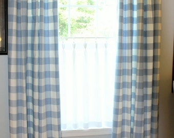 Linen Cafe Curtain with a Sweet Triple Pinch Pleat