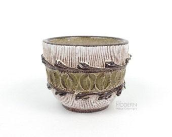 Vintage Italian Modern Incised Raised Design Small Ceramic Bowl Bitossi Seta Style