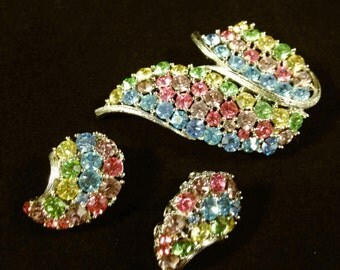 Lisner Jewelry, Vintage Jewelry Set, Colorful Rhinestone Brooch, Rhinestone Earrings, Vintage Brooch, Vintage Lisner Earrings Lisner Brooch
