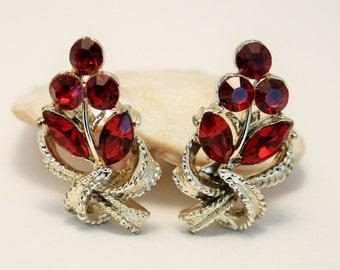 Vintage red crystal earrings. Clip on earrings. Red rhinestone