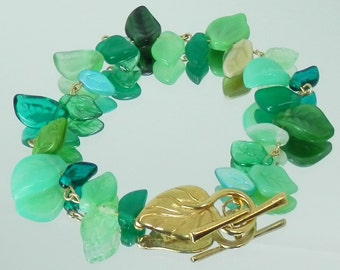 Mixed Green Leaf Glass Bead Chain Bracelet with Gold Leaf Toggle Clasp