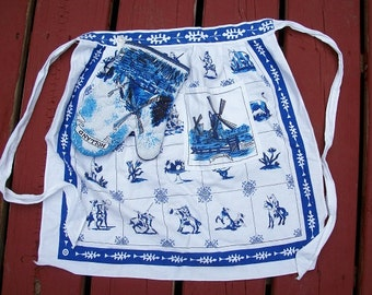 Vintage Precious Dutch Holland Child's Girl's Apron and Matching Oven Mitt
