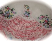 Vintage Tablecloth Hand Embroidered & Crocheted Southern Belle Luncheon Topper and 4 Napkins REDUCED