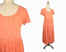 sale - Vintage Embroidered Indian Maxi Dress in Peach - petite small