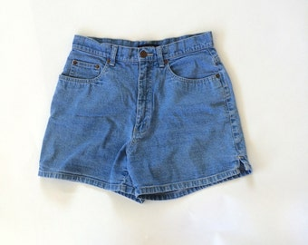 High Waisted Light Wash Denim Shorts Vintage Bill Blass Stonewash Jeans Cotton Walking Shorts Small 29 waist Women