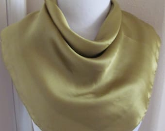 "Lovely Solid Green Soft Silk Scarf - 21"" Inch 50cm Square"