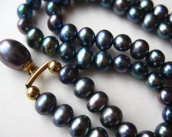 Vintage Tahitian Baroque Black Pearl 14k Gold Choker Necklace