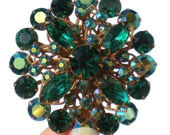 Vintage Rhinestone Jewelry Brooch with Bright Green & Aurora Borealis Stones on Told Tone Stamped Filigree