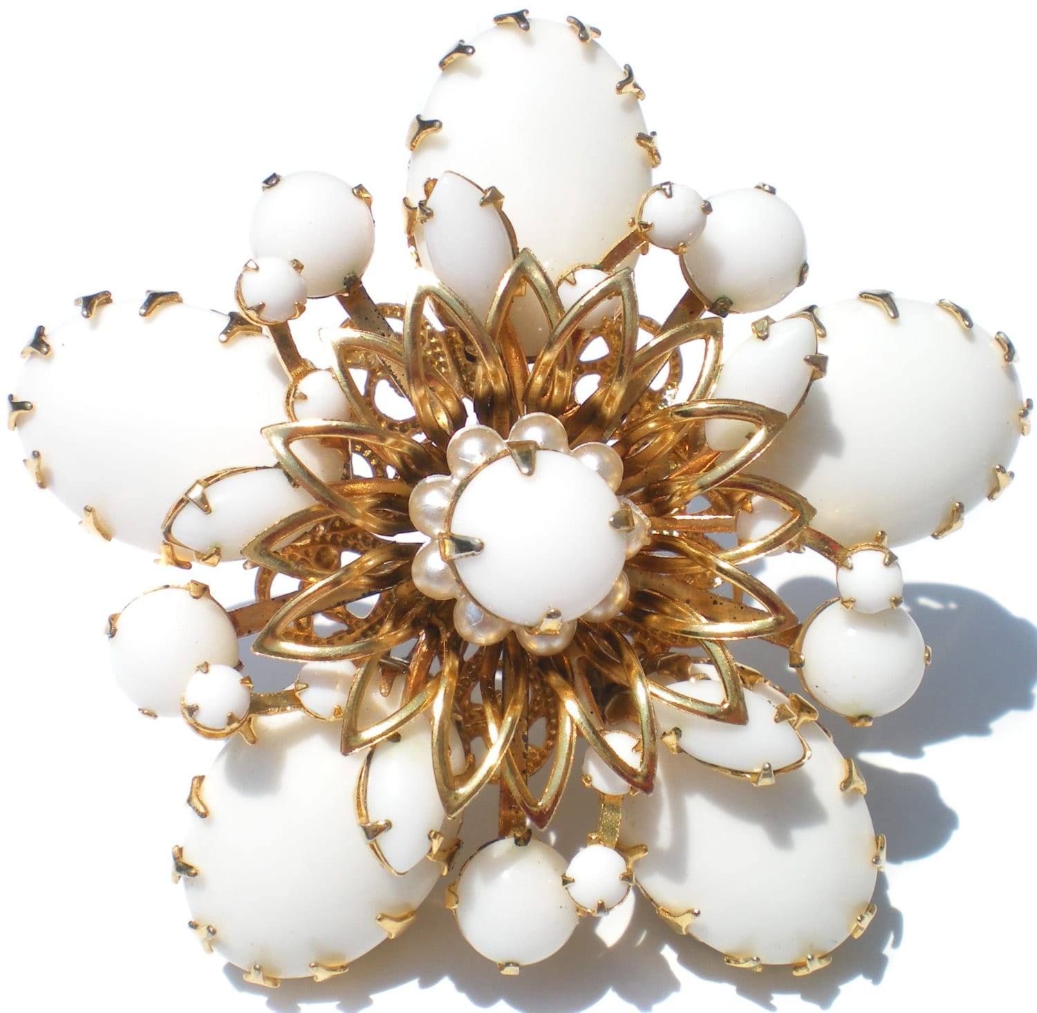 Vintage Jewelry Brooch White Milk Glass Flower On Gold Tone