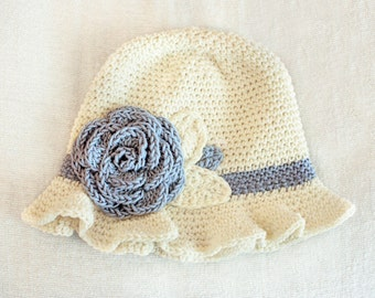 6 to 12m Crochet Sun Hat Baby Hat in Cream and Blue - Crochet Rose Flower Hat Cloche Hat Baby Girl Baby Flapper Girl Photo Prop Baby Gift