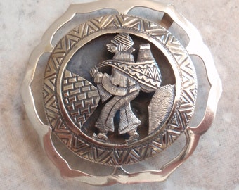 Peruvian Brooch Pin Pendant 900 Silver Mountain People Vintage V0758