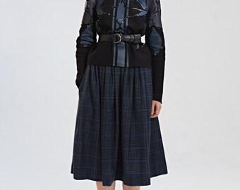 Navy skirt, wool skirt, plaid skirt, skirt with pockets, winter skirt  by Mrs Pomeranz