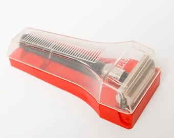 Sale off 20% vintage shaving traveling set, razor in original  plastic  case. Made in USSR.