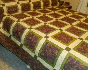 Queen or King Sized Quilt - 4 Patch Stacked Posie Quilt