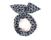 Twist Hair Scarf - Screenprinted Wire Headband - White Mountains on Navy