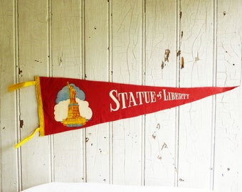 Large Statue of Liberty New York City Souvenir Pennant - Mid-Century 1950s - Road Trip Collectable