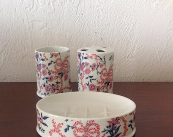 Vintage Seven Seas Porcelain Floral Three Piece Bathroom Set / Japan // FL
