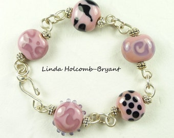 Bracelet of Pink & Black with Dots Lampwork Glass Beads