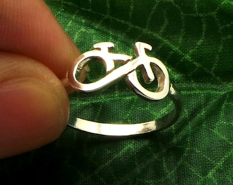 Silver Infinity Bicycle Ring - Silver Bicycle Jewellery - Bicycle Lover Fans - Friendship Ring - Gift for Best Friend - Summer Bicycle Tour