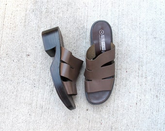 Chunky Heel Sandals - Brown Leather 90s Grunge Trend VTG - Size 8 US
