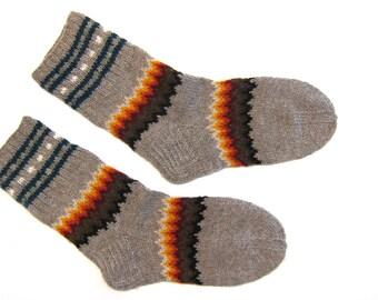 Size L/M: Handknit Woolen Winter Socks by granny