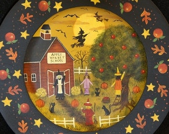 Halloween Folk Art Wood Plate, Hand Painted Primitive Saltbox Schoolhouse, Apple Valley School, Little Witches pick apples, MADE TO ORDER