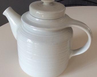 Ulla Procope Matt White Teapot Arabia Finland - 1960s