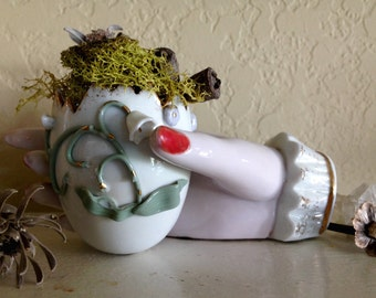 Vintage Victorian Porcelain Hand and Egg Vase