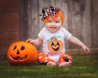 Pumpkin outfit for baby girls -- Happy Jack O Lantern -- black and orange polka dot Over The Top bow, bodysuit and leg warmers