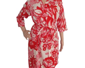Red and white floral Robe  (Getting ready robes, Nursing mothers, Lounge wear, Beach cover up, Bridesmaids Gifts)