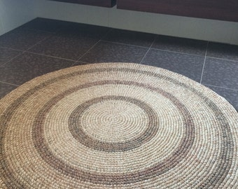 Absolutely Beautiful Crochet round rug, 50'' in diameter, made to order
