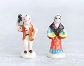 Folk Couple - Antique porcelain Miniature Figures