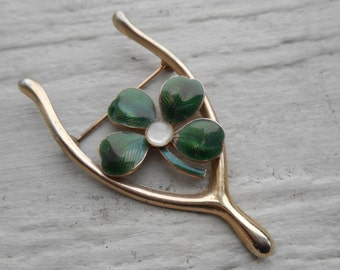 Vintage Shamrock Pin. Wishbone. Gold Tone, Enamel. St. Patrick's Day, Mother's Day, Bridesmaid Gift, Anniversary, Birthday.