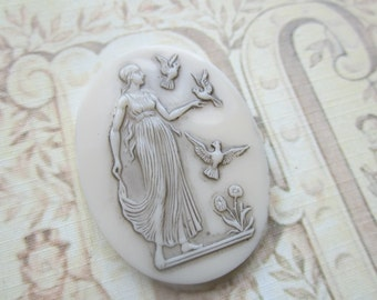 Vintage Goddess Diana With Birds In Garden Cab 40x30mm 1Pc.