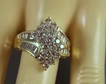 Diamond Cluster Ring 2.16 Carats Total Weight Yellow Gold 10K 5.4gm Size 7 Statement Ring