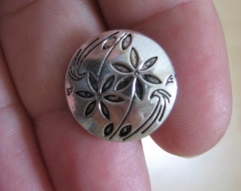 Flower buttons x5 pewter/silver or antique gold,metal buttons,flower design,craft,dressmaking,notions,flowers