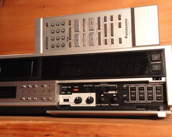 SALE ! Panasonic HD Omnivision PV-1730 Video Cassette Recorder Player Vhs Video Digital Transfers to Pc Sharpness Control & Remote Like New