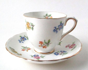 Royal Chelsea Tea Cup and Saucer Set, 1950s vintage, English Garden, Made in England, Gold Gilt,Bone China