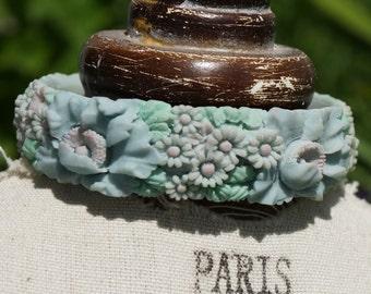 Bracelet, Vintage Bracelet, Flower Bracelet, Vintage Flower Bracelet, 50s Flower bangle, Resin Flower Bracelet
