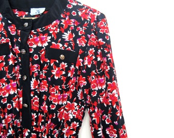 Vintage dress with black and red flowers in size S/M