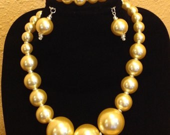 Chunky Yellow Pearl Jewelry Set