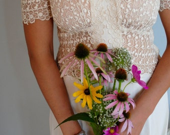30's 40's Cream Wedding Dress / Lace and Rayon Crepe Dress / Size Medium
