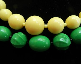 Vintage green necklace vintage yellow necklace