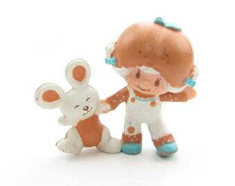 Apricot Dancing with Hopsalot Mini PVC Strawberry Shortcake Figurine Vintage Strawberryland Miniature