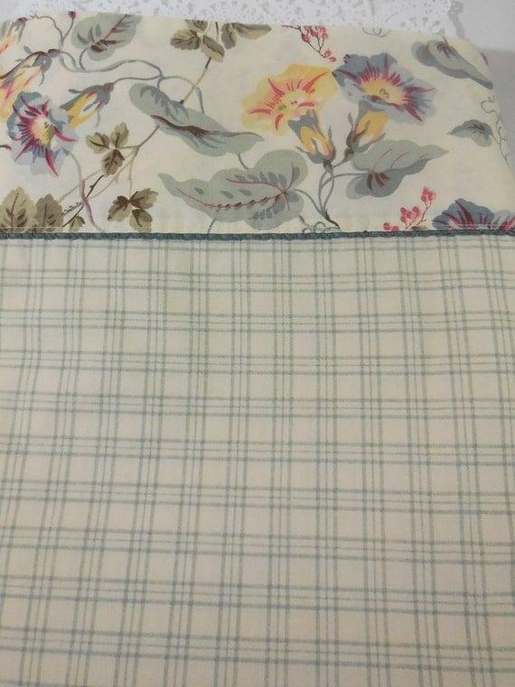 vintage queen flat sheet laura ashley sheet queen size flat. Black Bedroom Furniture Sets. Home Design Ideas