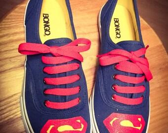 """Women's """"Superman"""" canvas, lace shoes, size 7"""